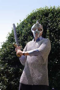 Phil_in_chainmail2